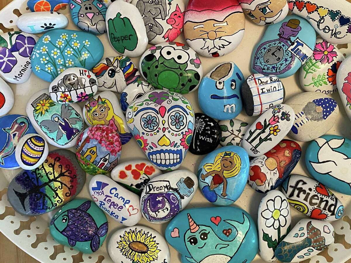 The founders of the Facebook group Trumbull Rocks! plan to leave more than 200 of their goodwill decorative stones along the Memorial Day parade route.