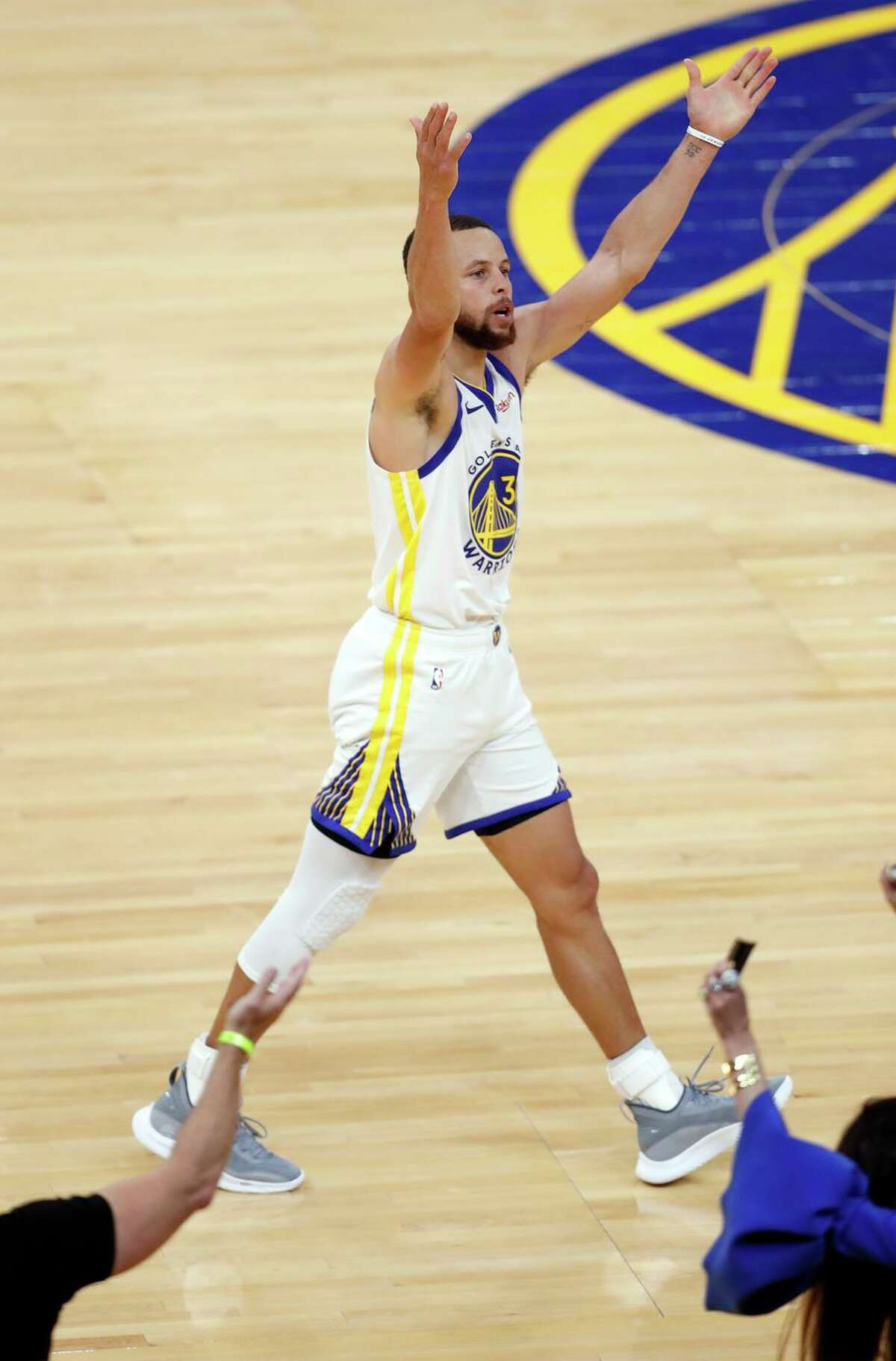 Golden State Warriors' Stephen Curry celebrates a fourth quarter 3-pointer during 113-101 win over Memphis Grizzlies in NBA game at Chase Center in San Francisco, Calif., on Sunday, May 16, 2021.