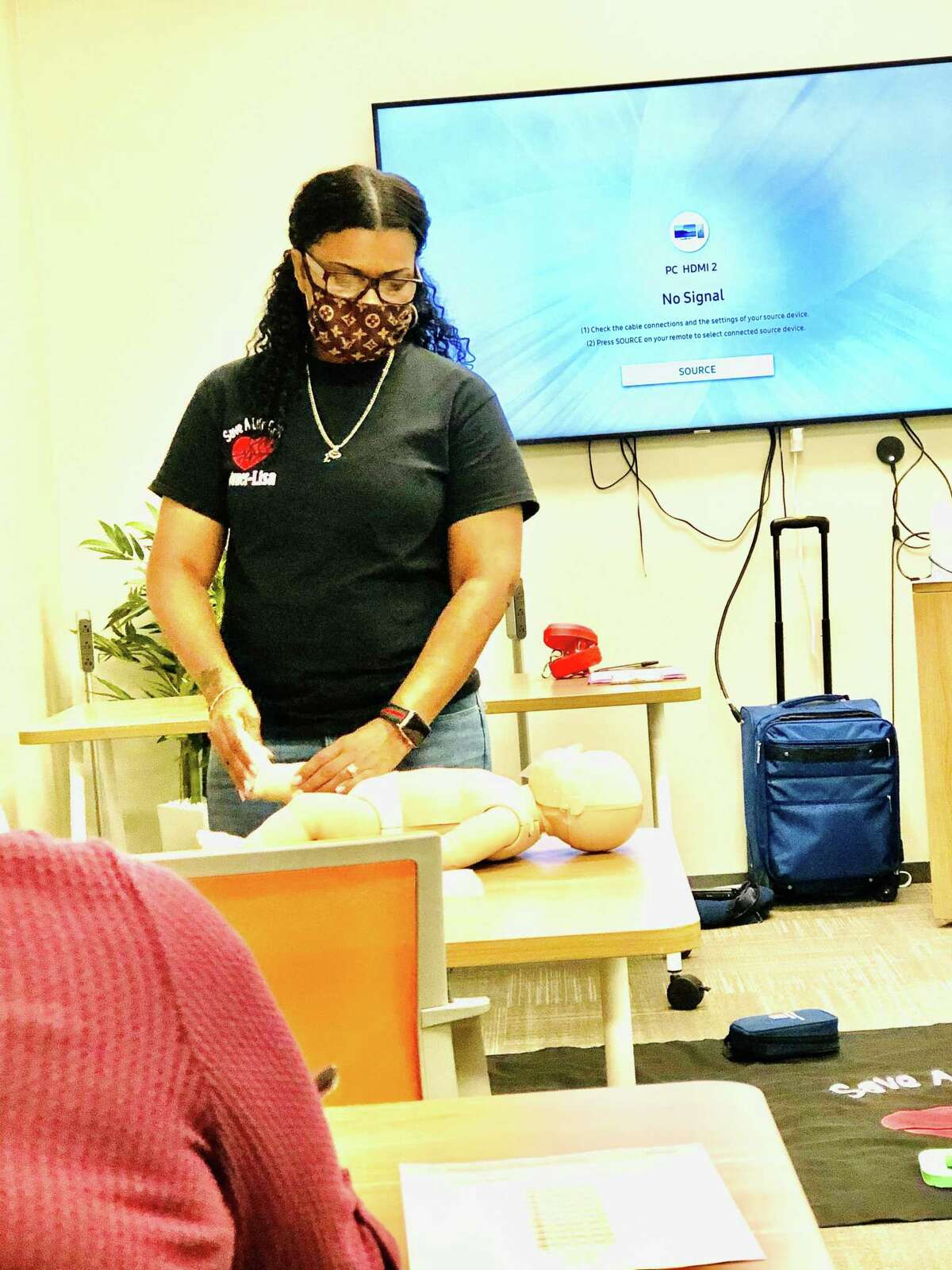 Belisia Roberts-Brandley founded Save a Life CPR in February 2017 as a mobile business providing CPR training to individuals and groups. She has an office at Office Evolution and often does training sessions there.