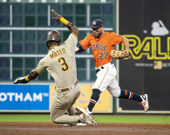 Houston Astros second baseman Jose Altuve (27) runs to force out San Diego Padres shortstop Jorge Mateo (3) to end the top of the third inning during an MLB game between the Houston Astros and San Diego Padres on Friday, May 28, 2021, at Minute Maid Park in Houston. Photo: Mark Mulligan/Staff Photographer / © 2021 Mark Mulligan / Houston Chronicle