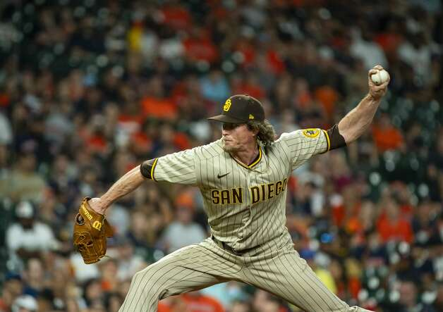 San Diego relief pitcher Tim Hill pitches during the ninth inning of an MLB game between the Houston Astros and San Diego Padres on Friday, May 28, 2021, at Minute Maid Park in Houston. Photo: Mark Mulligan/Staff Photographer / © 2021 Mark Mulligan / Houston Chronicle