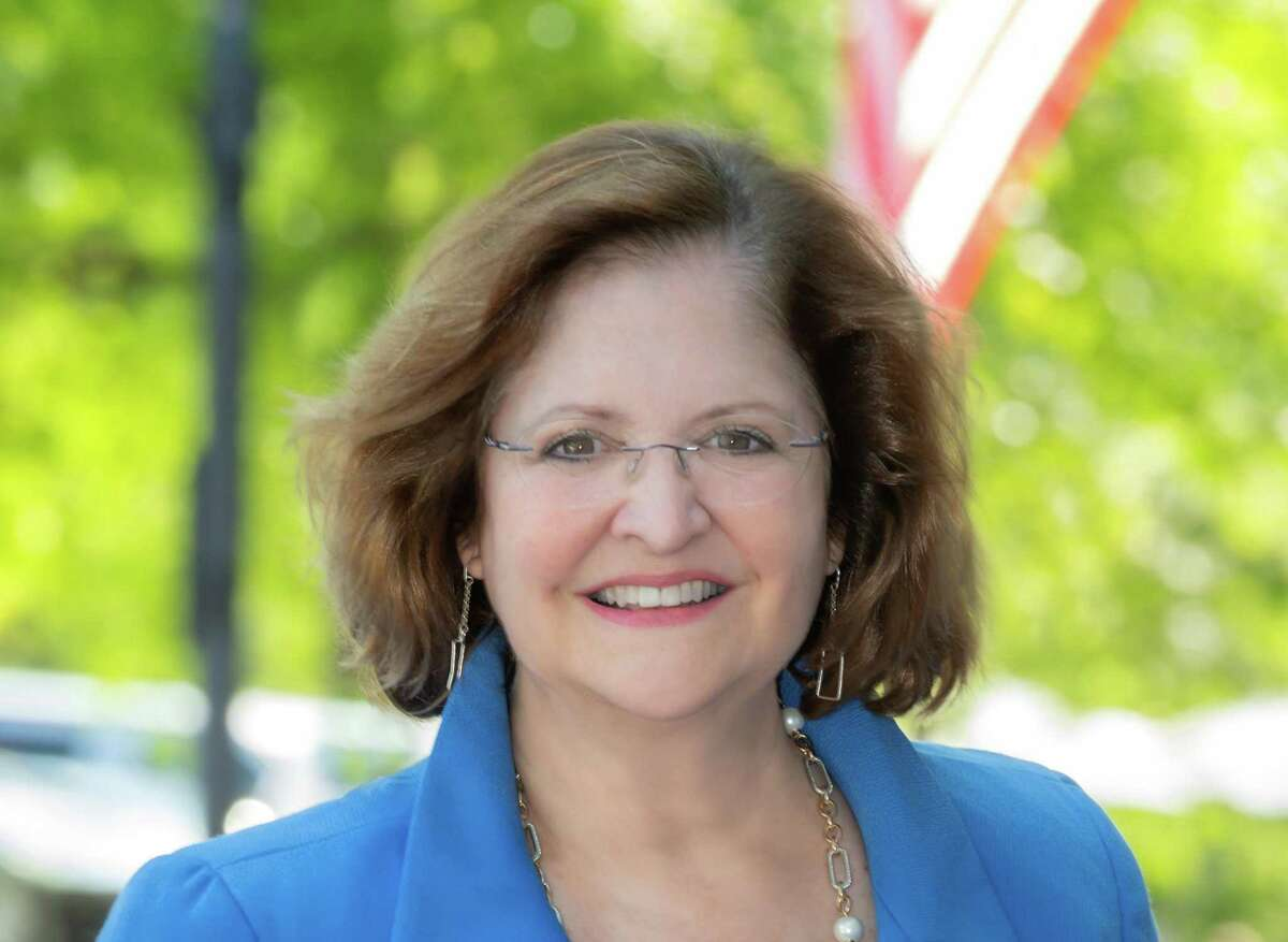 Kathleen Corbet announced she would run for New Canaan selectman on May 27, 2021.