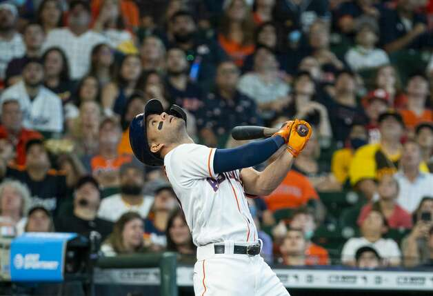Houston Astros second baseman Jose Altuve (27) watches a foul ball during the first inning of an MLB game between the Houston Astros and San Diego Padres on Saturday, May 29, 2021, at Minute Maid Park in Houston. Photo: Mark Mulligan/Staff Photographer / © 2021 Mark Mulligan / Houston Chronicle
