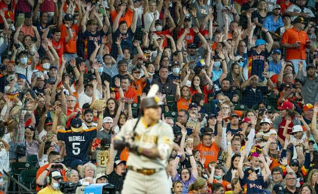 Fans do the wave during the sixth inning of an MLB game between the Houston Astros and San Diego Padres on Saturday, May 29, 2021, at Minute Maid Park in Houston. Photo: Mark Mulligan/Staff Photographer / © 2021 Mark Mulligan / Houston Chronicle
