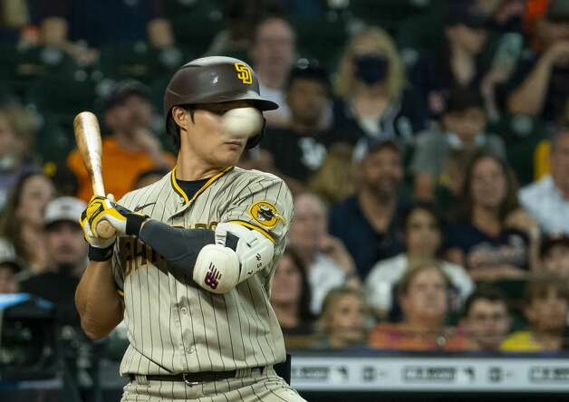 San Diego Padres second baseman Ha-Seong Kim (7) watches as a ball goes by during the eighth inning of an MLB game between the Houston Astros and San Diego Padres on Saturday, May 29, 2021, at Minute Maid Park in Houston. Photo: Mark Mulligan/Staff Photographer / © 2021 Mark Mulligan / Houston Chronicle
