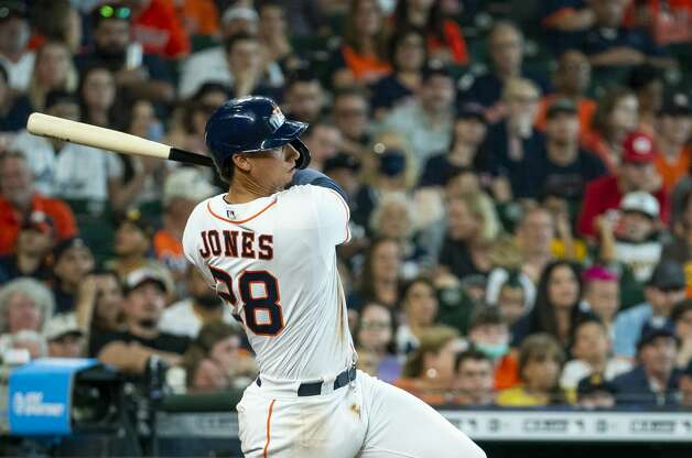 Houston Astros first baseman Taylor Jones (28) singles during the sixth inning of an MLB game between the Houston Astros and San Diego Padres on Saturday, May 29, 2021, at Minute Maid Park in Houston. Photo: Mark Mulligan/Staff Photographer / © 2021 Mark Mulligan / Houston Chronicle