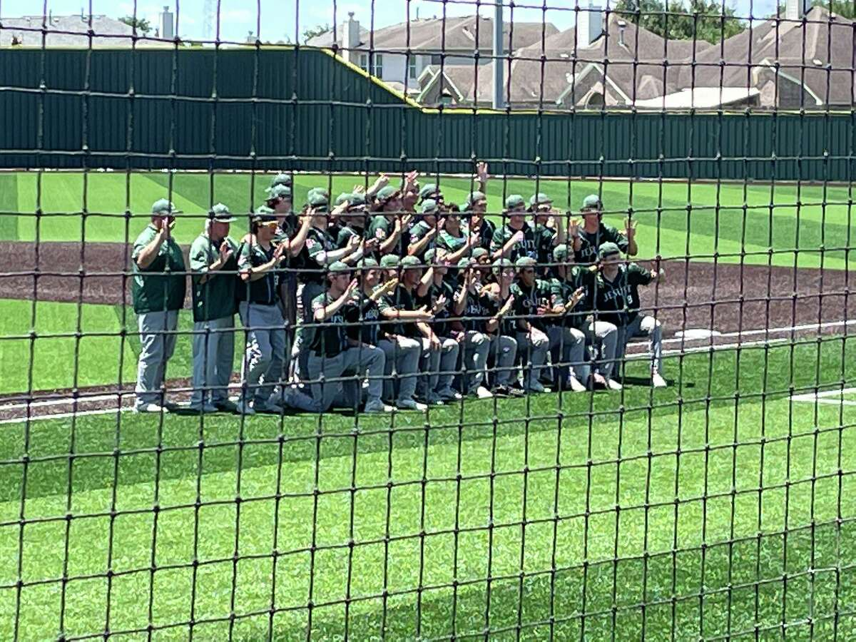 The Strake Jesuit baseball team completed its Region III-6A semifinal series comeback against Tompkins with a 5-2 victory in game three May 29 at Cypress Falls High School.