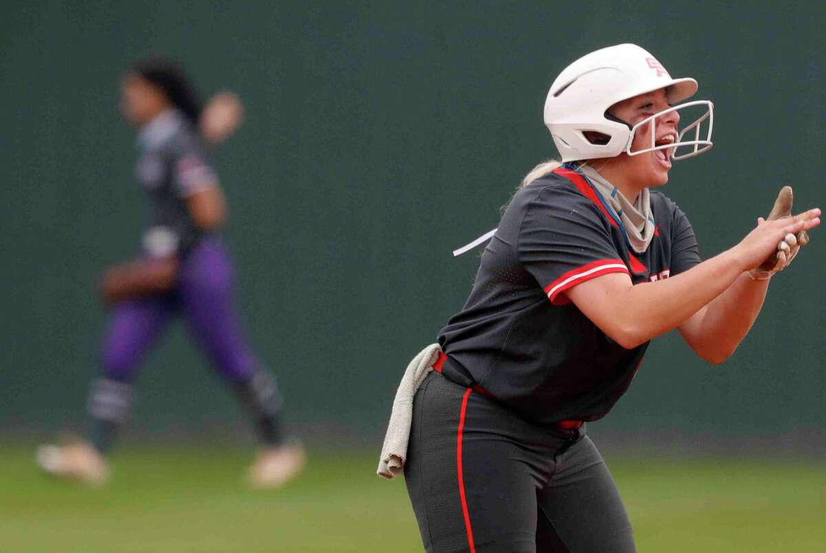Oak Ridge's Morgan Dutton was named the District 13-6A Defensive Player of the Year.