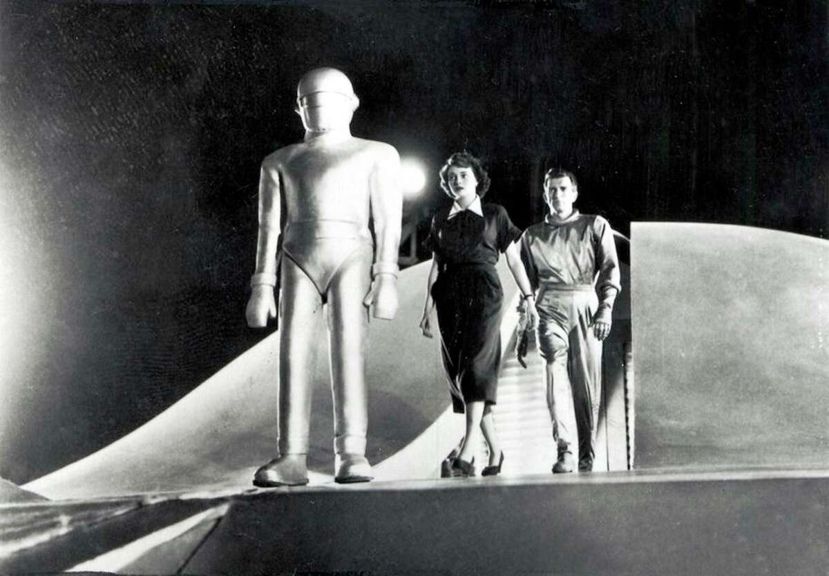 """""""The Day the Earth Stood Still"""" stars Michael Rennie and Patricia Neal"""