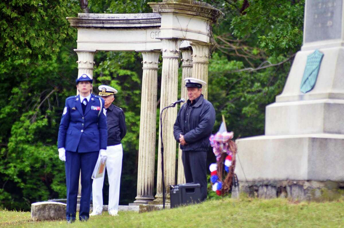 Veterans turned out in Madison to remember the men and women who gave their lives serving their country. Ceremonies took place in West Cemetery earlier this morning.