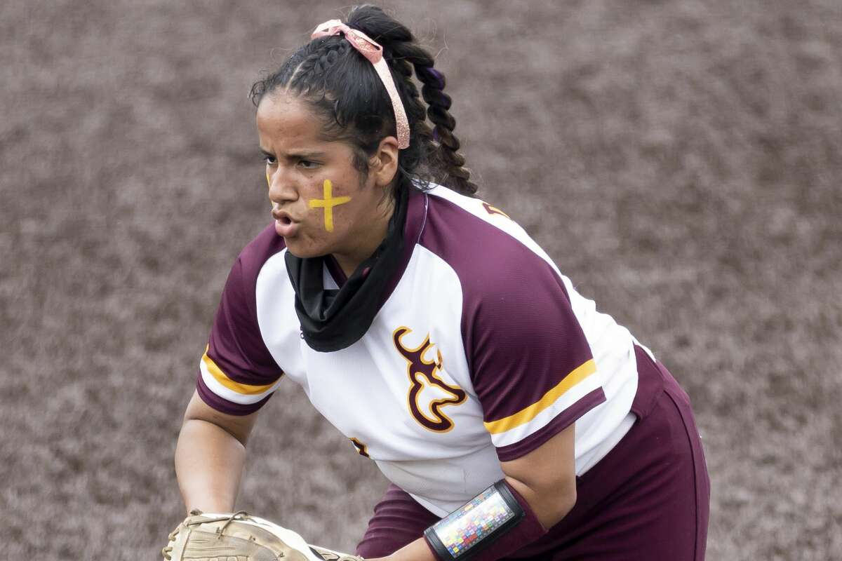Deer Park pitcher Hannah Benavides turned in a dominant Game 3 performance in the regional final to send her team to the state softball tournament.