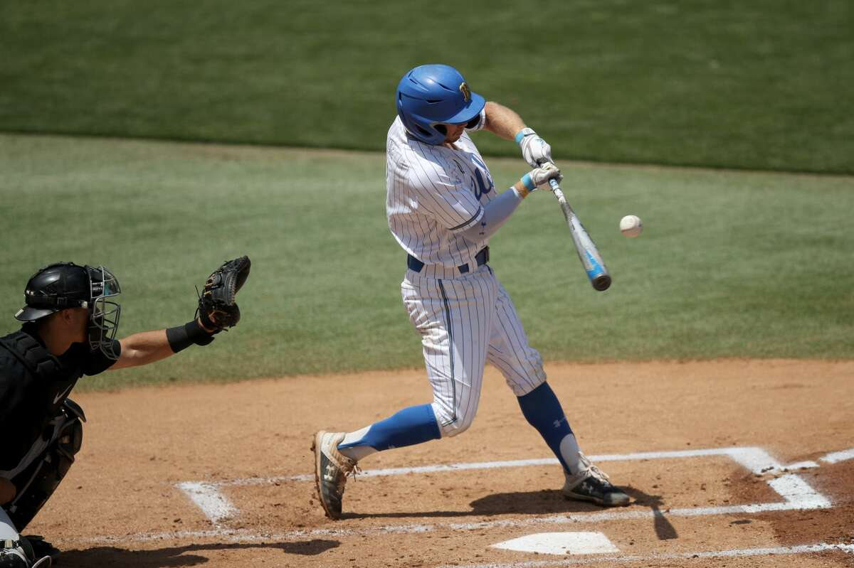 LOS ANGELES, CALIFORNIA - MAY 02: Matt McLain #1 of the UCLA Bruins at-bat against the Oregon State Beavers at Jackie Robinson Stadium on May 02, 2021 in Los Angeles, California. (Photo by Andy Bao/Getty Images)