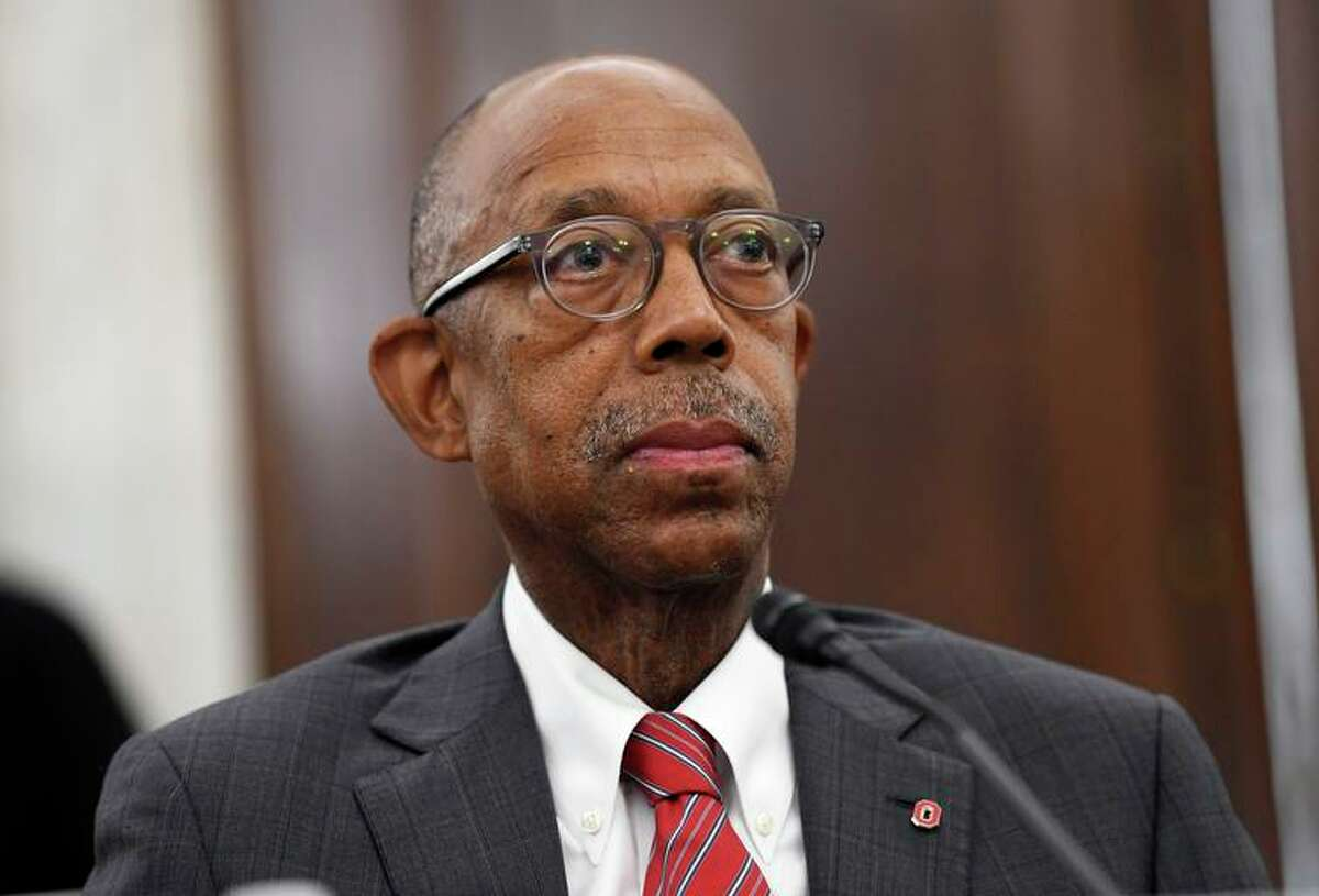 UC President Michael Drake, who initially proposed less-extensive changes to the current hospital contracts, endorsed amendments by regents chairman John Pérez.