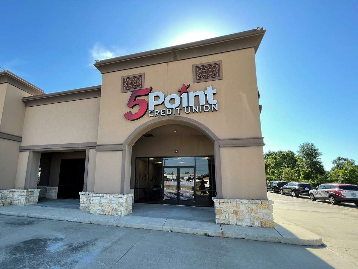 5Point Credit Union has opened its new location in Orange.