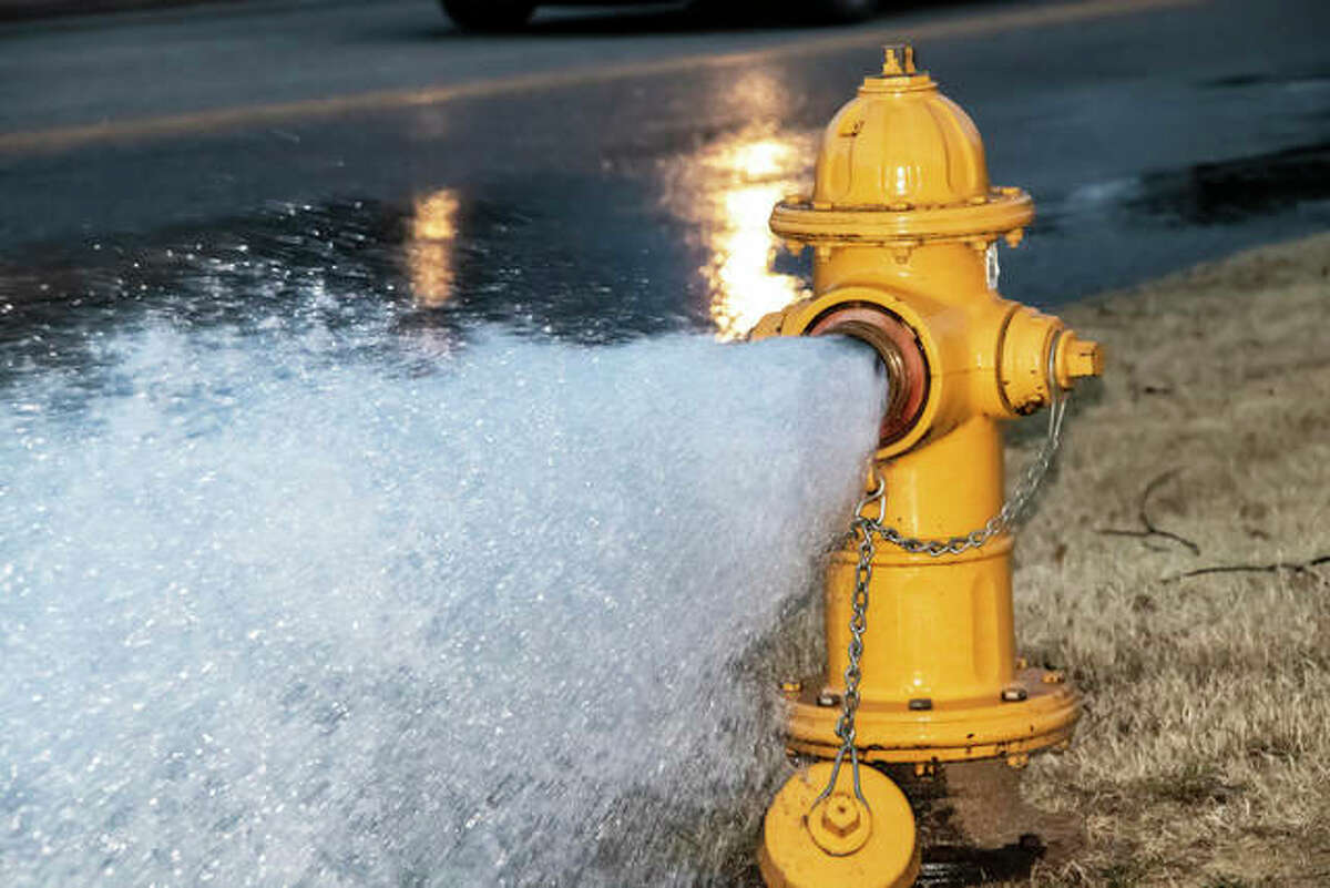 Glen Carbon public works and Illinois-American Water officials will flush village hydrants next week to prepare for a shift in water sources.