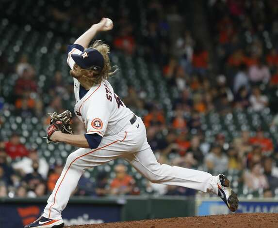 Houston Astros relief pitcher Ryne Stanek (45) pitches during the ninth inning of an MLB baseball game at Minute Maid Park, Tuesday, June 1, 2021, in Houston. Photo: Karen Warren/Staff Photographer / @2021 Houston Chronicle