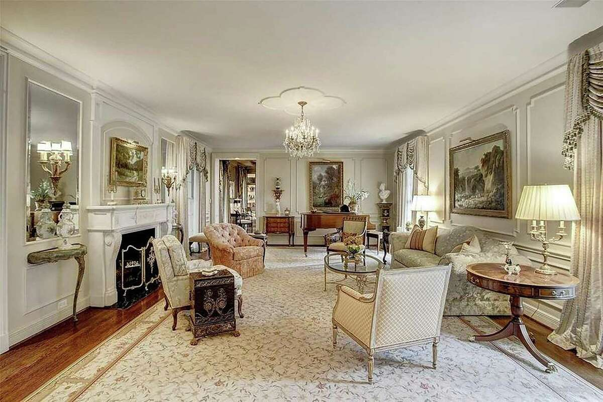 Art, antiques and furnishings from a River Oaks mansion will be auctioned June 26 at Lewis & Maese Auctions in the firm's first live auction since the coronavirus pandemic began.