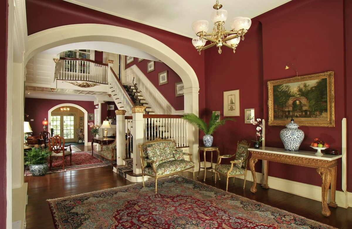 A look inside the Oge Mansion, which hosts up to 14 people.