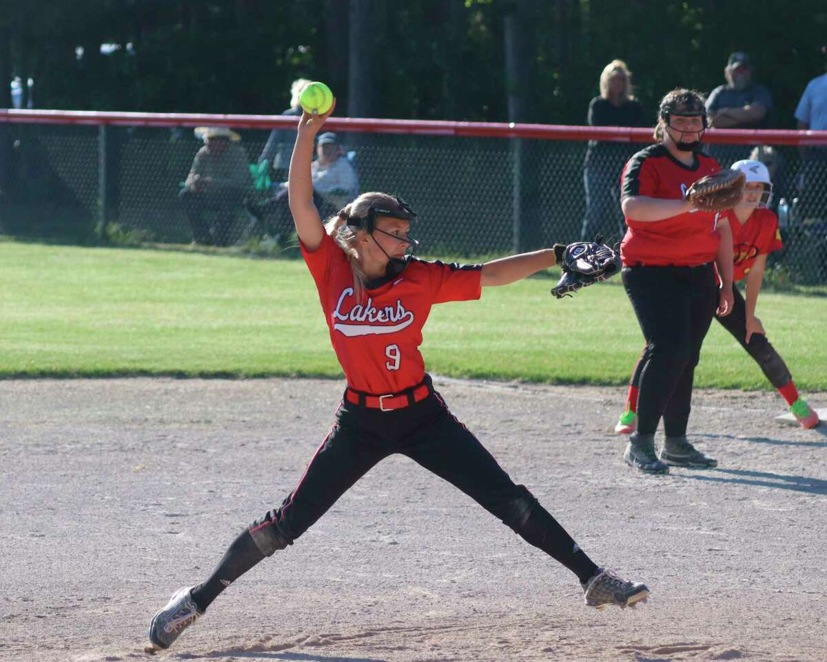 Kalissa Swanson pitches for Bear Lake against Mason County Eastern on June 1. (Robert Myers/News Advocate)