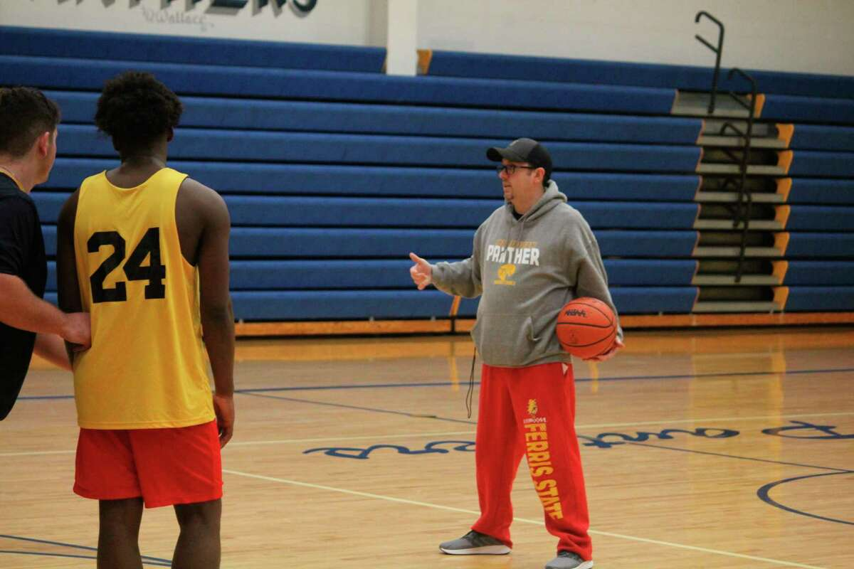 Baldwin basketball coach JJ Eads will be working with his team this summer. (Star file photo)