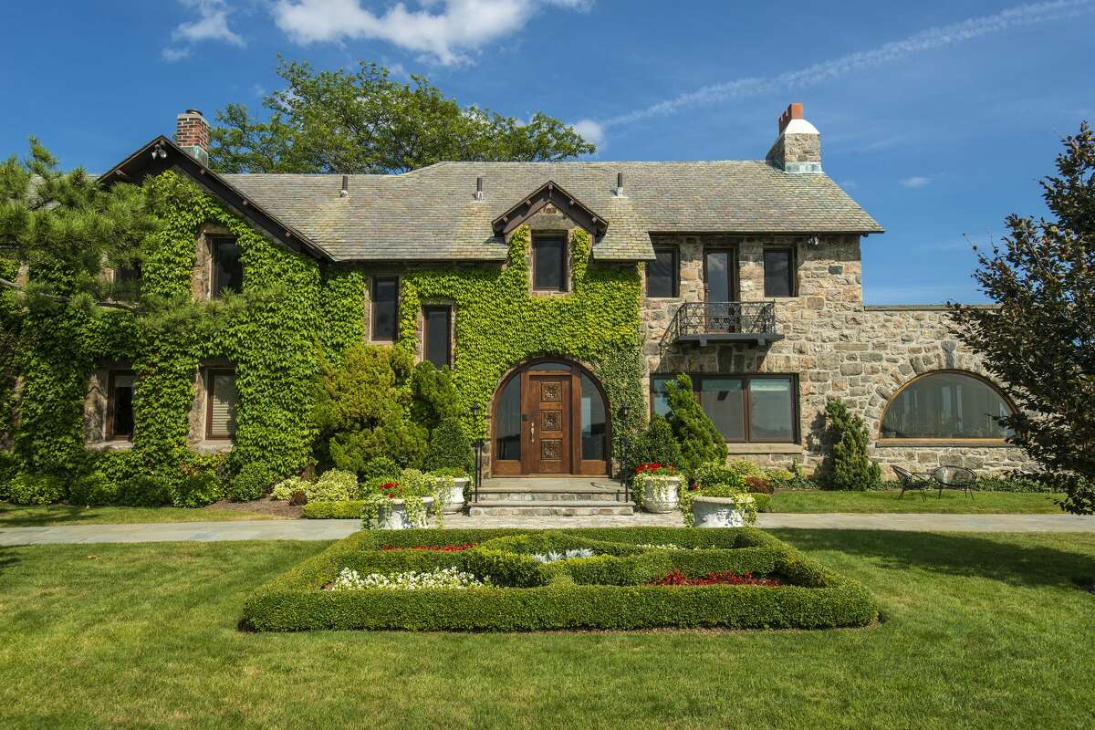 The home on 123 Saddle Rock Road in Stamford, Conn. was designed by sibling architectural team Richard Howland Hunt and Joseph Howland Hunt, who also designed designed Beacon Towers in Sands Point, Long Island - the inspiration for 'The Great Gatsby.'