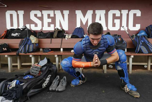 Grand Oaks catcher Preston Havenor (17) stretches before Game 2 of a Region III-5A semifinal series at Blue Bell Park, Saturday, May 29, 2021, in College Station. Photo: Jason Fochtman/Staff Photographer / 2021 © Houston Chronicle