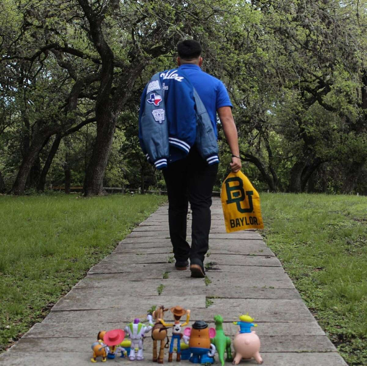 Somerset graduate Josiah Robles decided to mark the end of his high school career - and celebrate his moving on to college - with an emotional photo inspired by Toy Story.