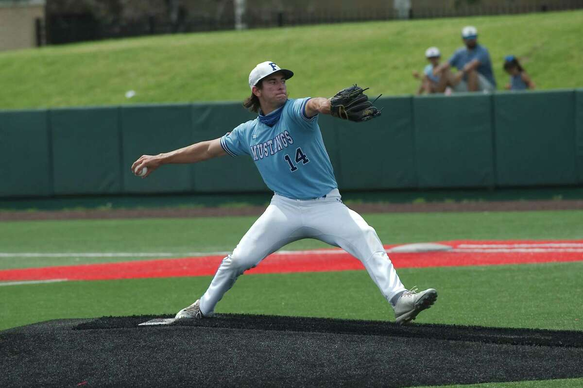 Friendswood's Jacob Rogers (14) pitches against Barbers Hill Thursday, June 3 at the University of Houston.