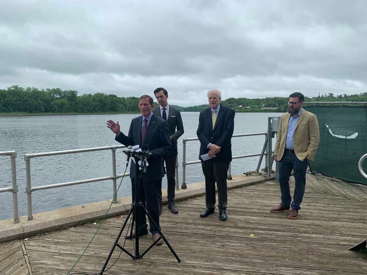 Sen. Richard Blumenthal, D-Conn., Middletown Mayor Ben Florsheim, Middlefield First Selectman Edward Bailey, and Executive Director of the Lower River Valley COG Sam Gold at an event aiming to highlight the dangers of hydrilla in the Connecticut River.