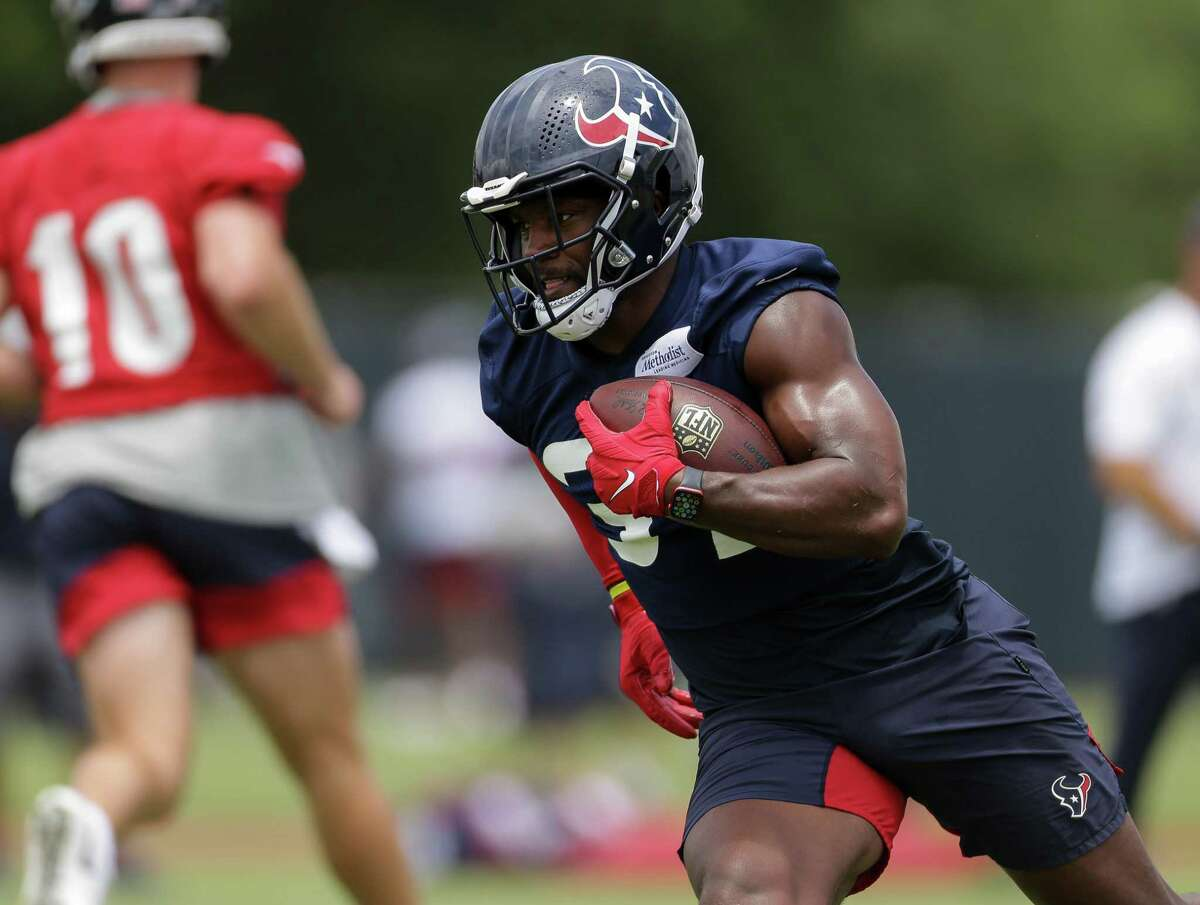 David Johnson, back for his second season with the Texans, is among four veteran running backs on the roster.