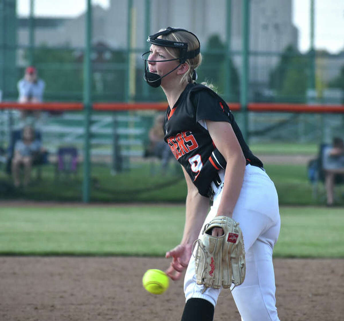 Edwardsville's Avery Hamilton delivers a pitch against O'Fallon in the sixth inning of a Class 4A regional championship game inside the District 7 Sports Complex.