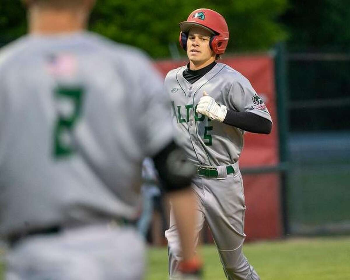 Blake Burris of the Alton River Dragons went went 2 for 2 and had one RBI in a 7-3 loss to the Burlington Bees Thursday night in Burlington, Iowa.