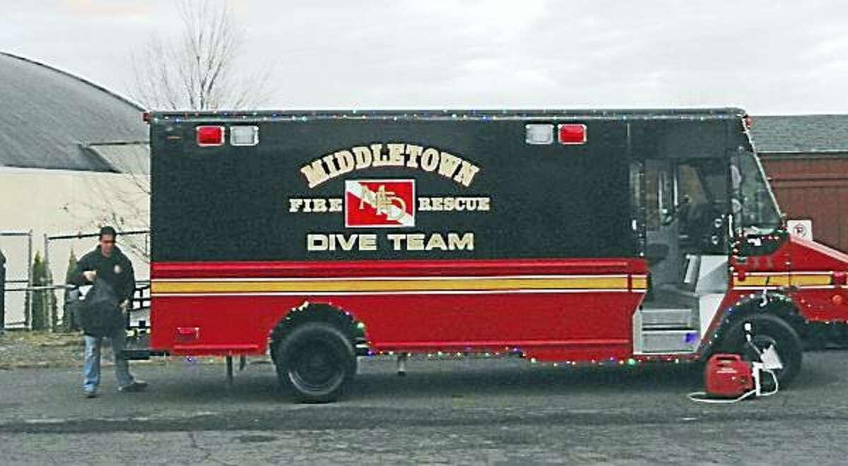 Cassandra Day - The Middletown Press ¬ Middletown fire dive team truck