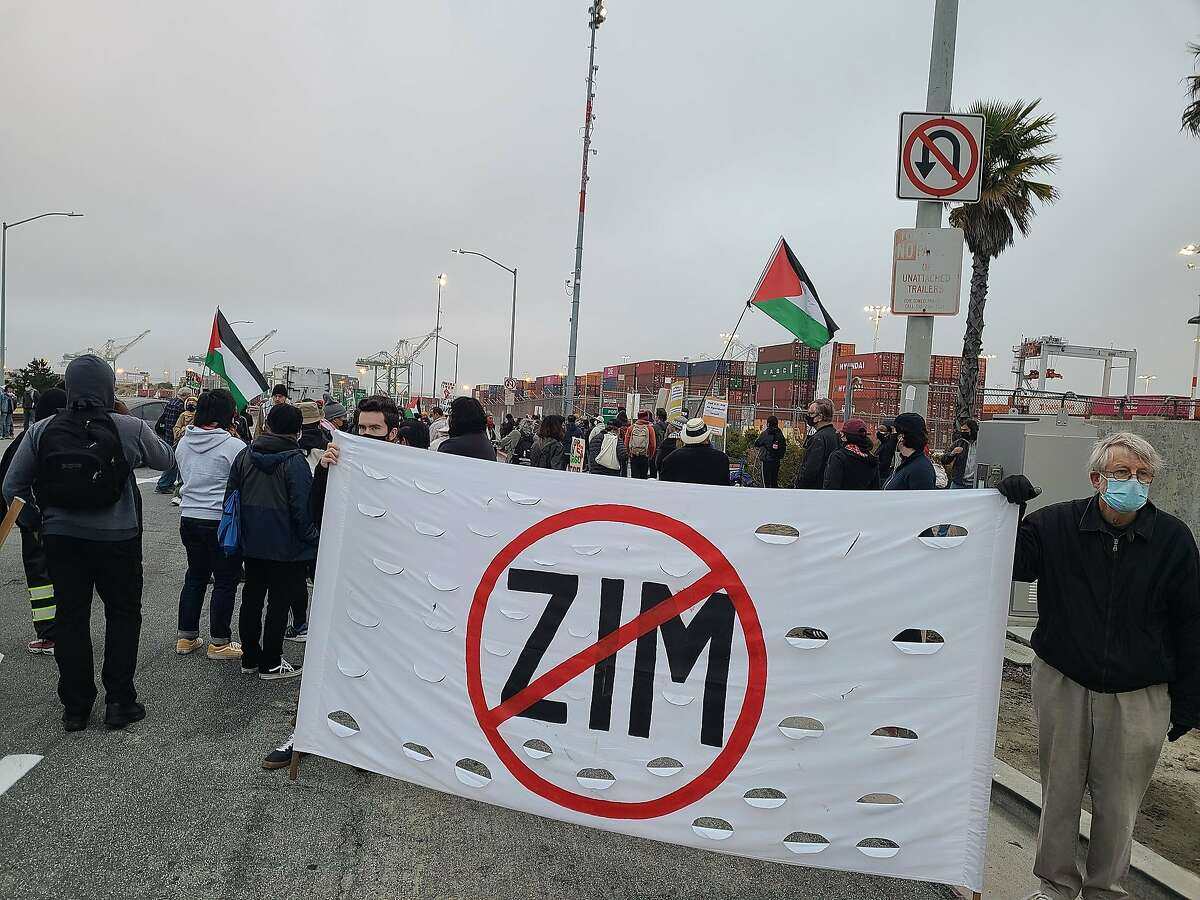 Protesters seeking for the second time to block the unloading of an Israeli cargo ship were gathering at the Port of Oakland early Friday, carrying banners and waving Palestinian flags in support of the movement to impose an economic boycott of Israel following the 11-day Israeli-Palestinian armed conflict.