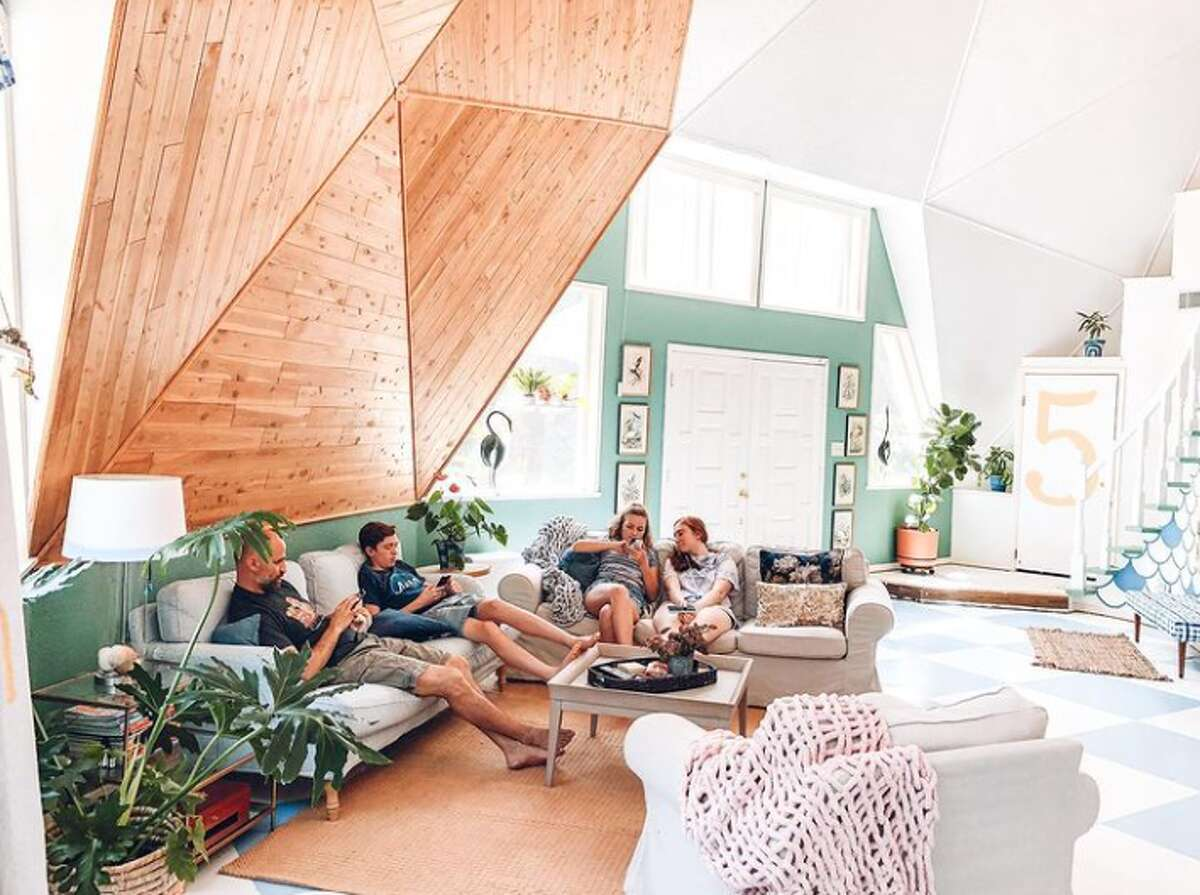 The Roznovsky family lives in this eclectic 1980s geodesic home in the North Side of San Antonio.
