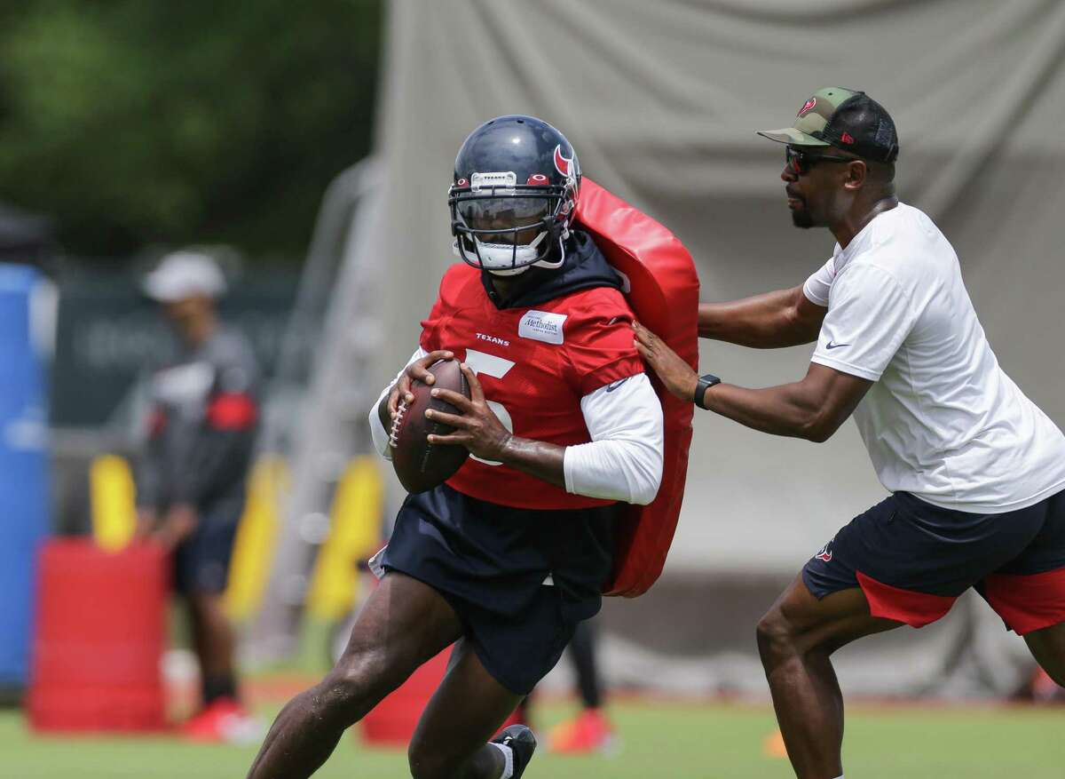 Tyrod Taylor is ready to step to the front and take charge for Texans at quarterback.