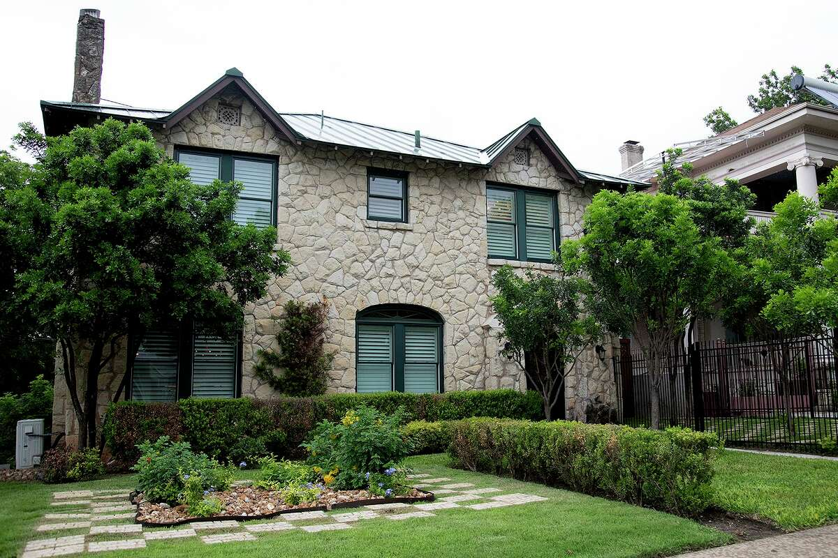 Mitch and Helen Seal purchased the Alta Vista home in 2010, spending much of the next decade and about $1 million slowly renovating it.