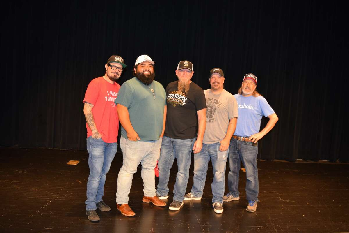 Country music band Kin Faux spent time in Plainview this week promoting their latest tour.