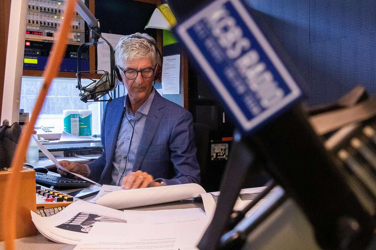 Longtime morning radio anchor Stan Bunger's voice has guided countless listeners through fires, murders, traffic jams, sports reports and an endless stream of 30-second ads for cars, mortgage lenders and exterminators.
