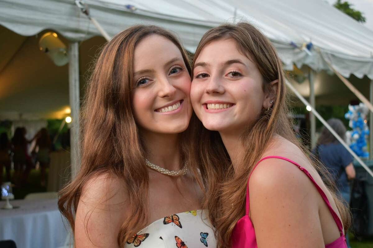 Fairfield Ludlowe High School held its prom on campus on June 4, 2021. Were you SEEN?