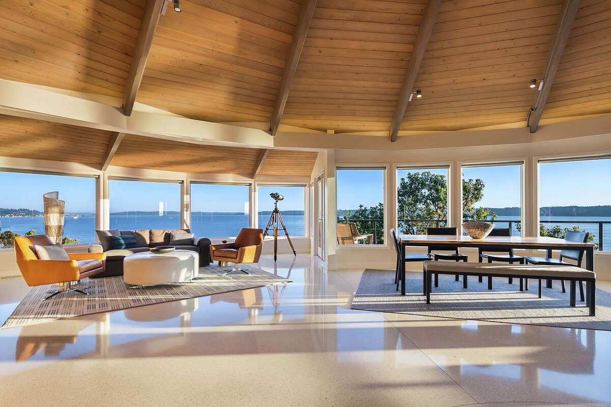 Windows are everywhere, allowing the stunning setting into the stunning interior.