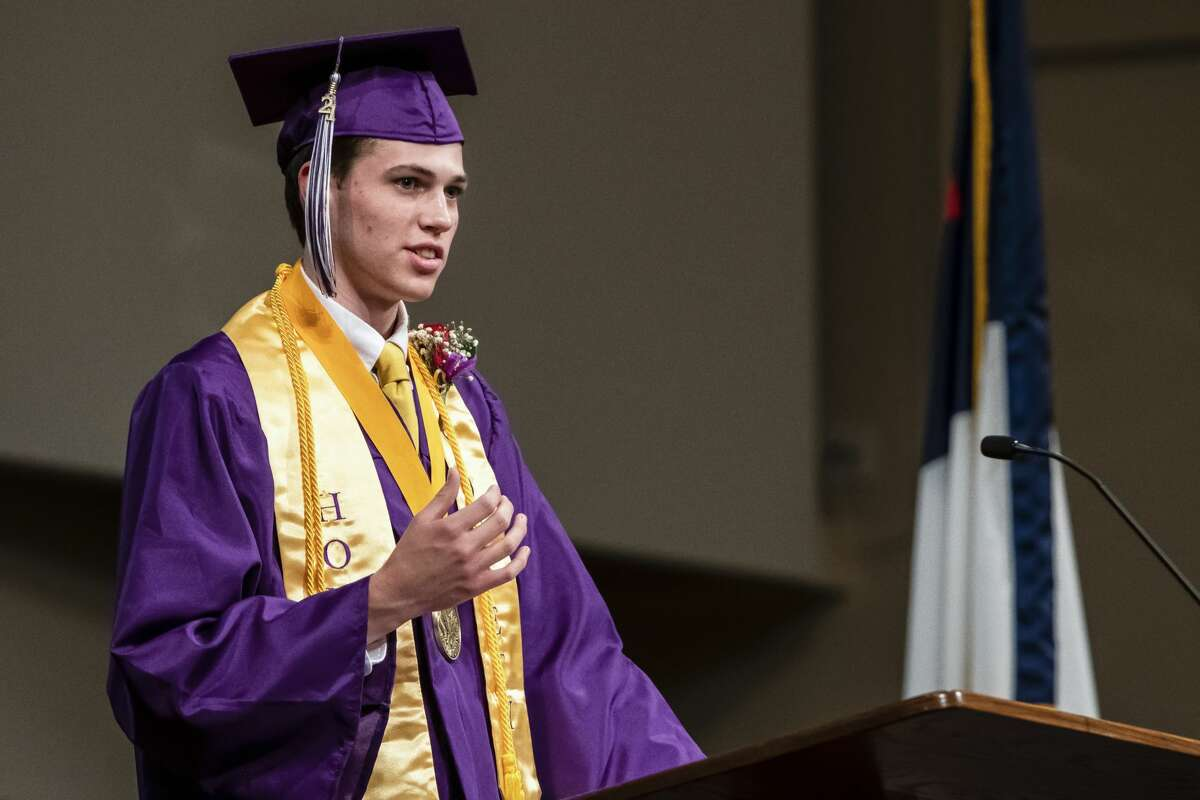 Drew Dale, a graduating senior from Calvary Baptist Academy, gives a salutatory address during a commencement ceremony Friday, June 4, 2021 at Calvary Baptist Church in Midland. (Isaac Ritchey/for the Daily News)