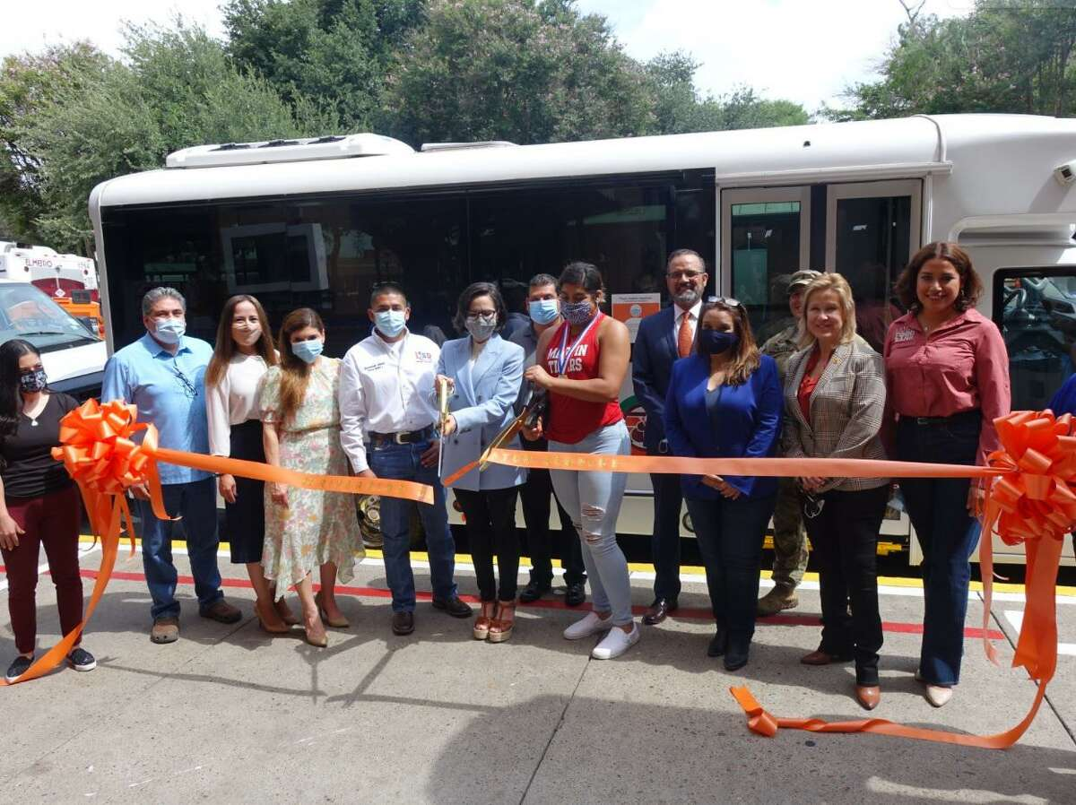 A ribbon-cutting ceremony led by District VIII Councilmember Alyssa Cigarroa was held Thursday for the new C3 Riverside Circulator, thanks to a partnership by the City of Laredo and El Metro Transit.