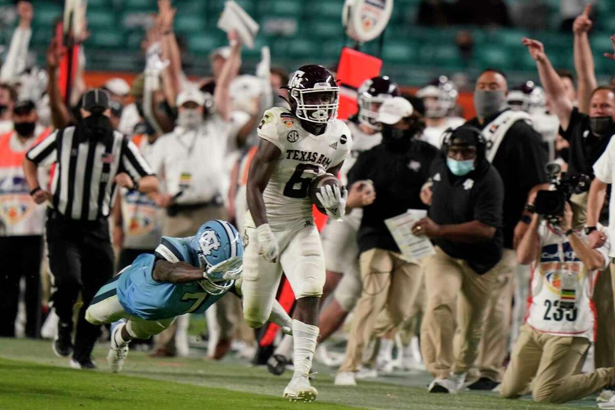 Devon Achane showed his speed on this touchdown run against North Carolina in the Orange Bowl.