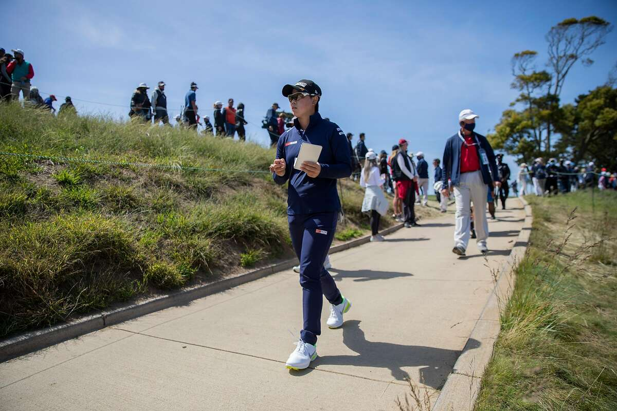 Yuka Saso of the Philippines lost the lead with a third-round 71, but gained the attention of the player she tries to emulate, Rory McIlroy, who is playing an event in Ohio.