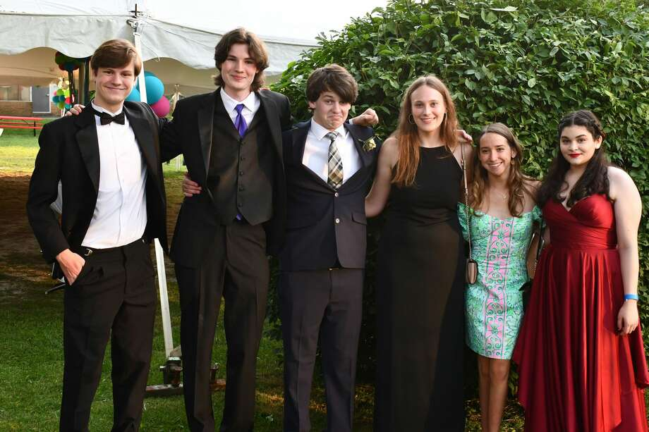 Fairfield Warde High School held its prom on campus on June 5, 2021. Were you SEEN? Photo: Vic Eng / Hearst Connecticut Media Group