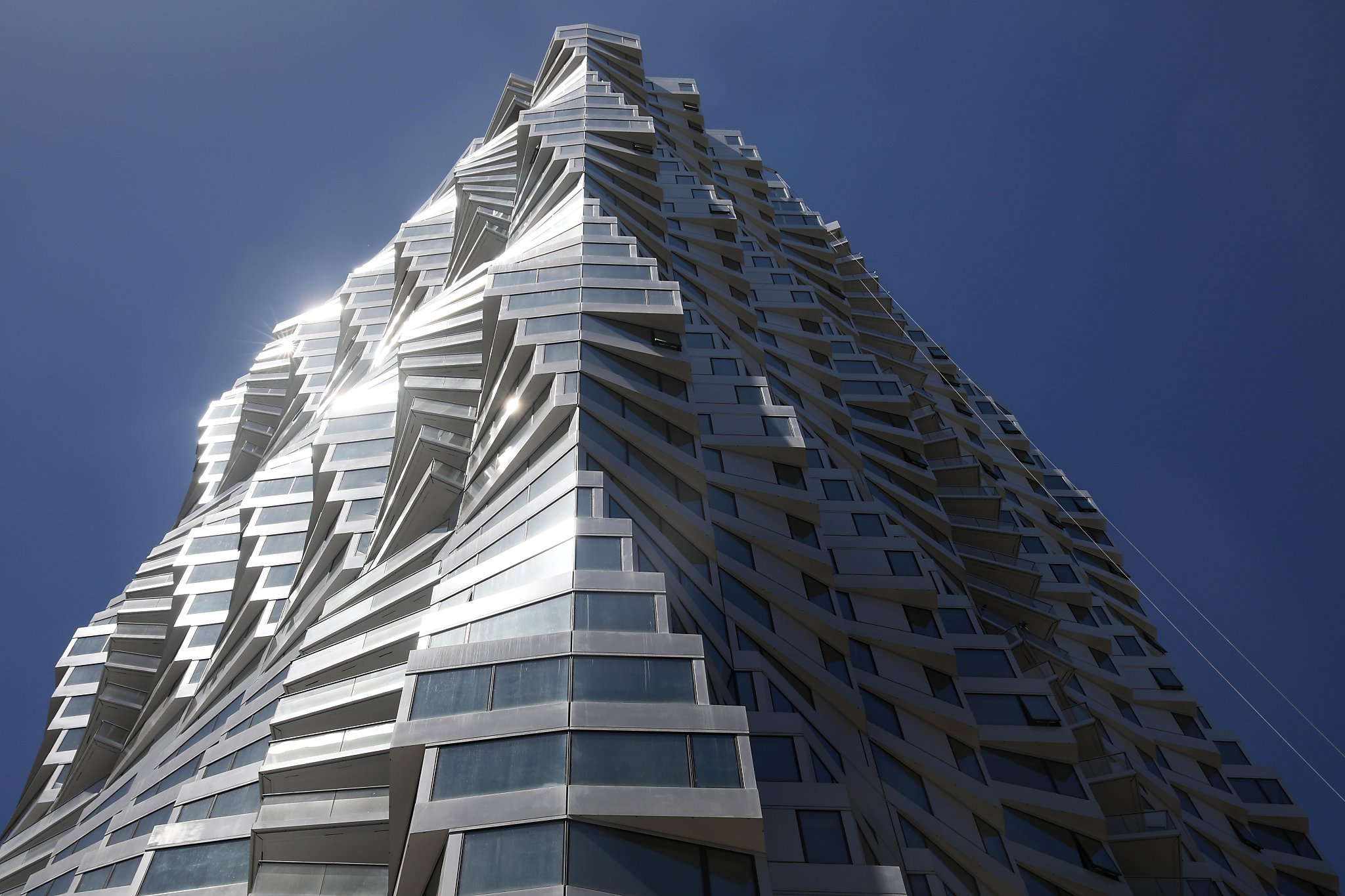 San Francisco's pandemic-battered condo market bounced back with a vengeance this spring, scoring its busiest three-month period in at least 16