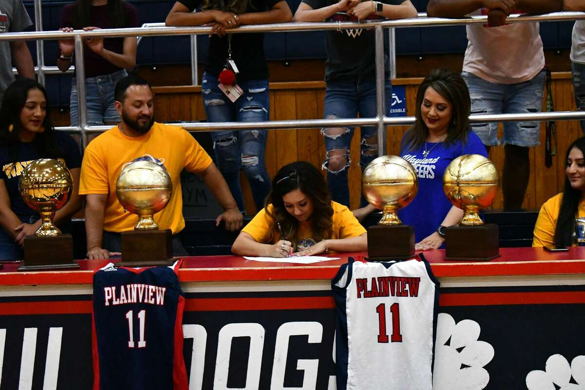 Plainview's Emily Sigala signed her national letter of intent to play college basketball for Wayland Baptist in a special ceremony on Friday afternoon in the Dog House.