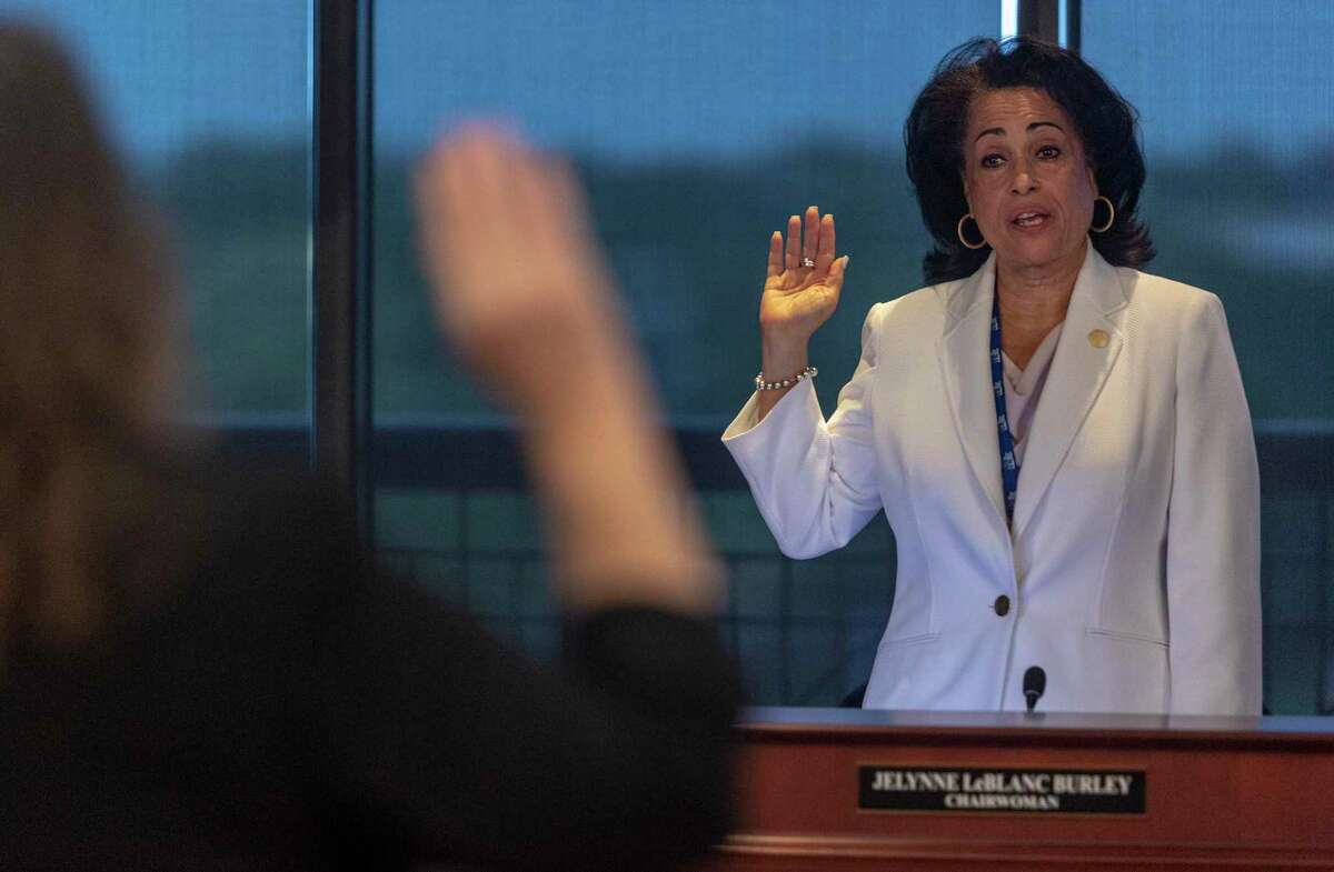 San Antonio Water System chairwoman Jelynne LeBlanc Jamison will ask the SAWS board Tuesday to donate the $100,000 bonus awarded to President and CEO Robert Puente to the utility's nonprofit Project Agua program.