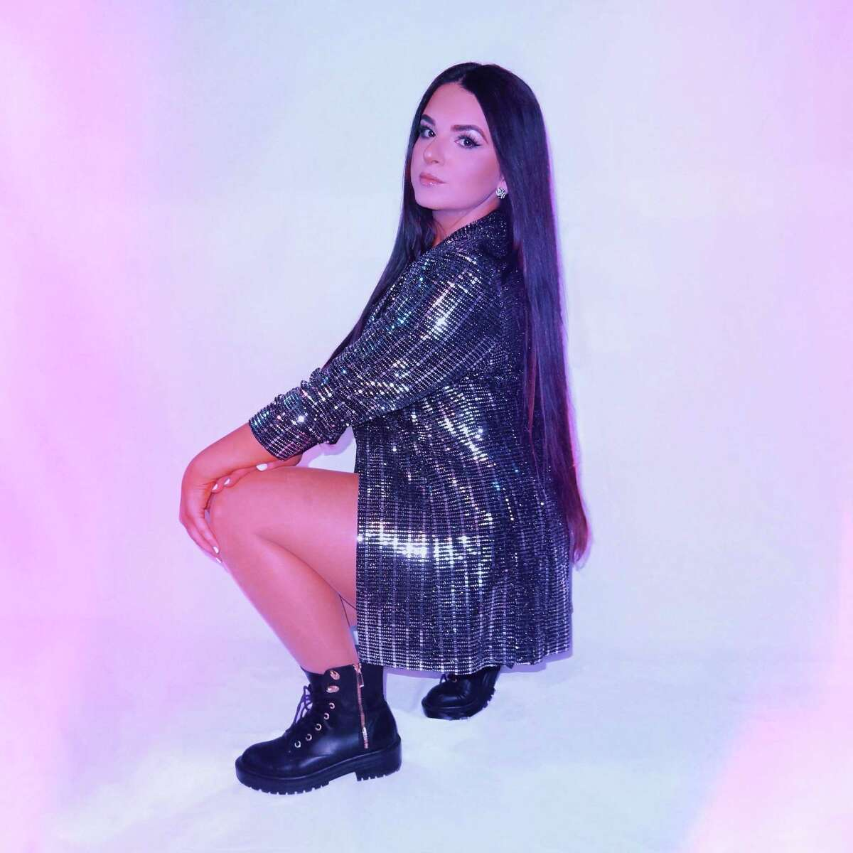 """CT musician Lexi Mariah released her single """"Playlist"""" on June 11."""
